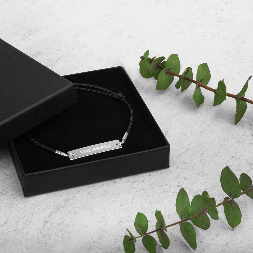 Bracelet Cordon Avec Pendentif Gravé En Argent THEAKAGI